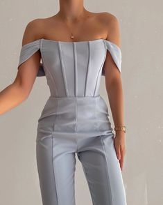 Glamouröse Outfits, Cute Casual Outfits, Pretty Outfits, Stylish Outfits, Suit Fashion, Look Fashion, Fashion Dresses, Womens Fashion, Fashion Design