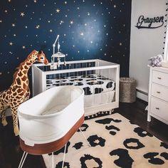 Gorgeous Giraffe Nursery Theme Ideas for Boys & Girls - Baby Room Ideas Galaxy Nursery, Sky Nursery, Giraffe Nursery, Nursery Themes, Nursery Room, Safari Nursery, Nursery Ideas, Room Ideas, Leopard Nursery