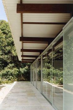 Projeto: Nitsche Arquitetos - Casa Barra do Sahy (SP) - Casa e Decoração - UOL Mulher