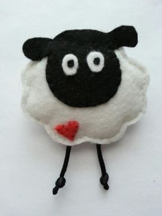 Giorgio the Sheep Ornament Felt by MartianiQue on Etsy Sheep Crafts, Felt Crafts Diy, Felt Diy, Christmas Projects, Christmas Crafts, Crafts For Kids, Christmas Christmas, Sheep And Lamb, Felt Decorations