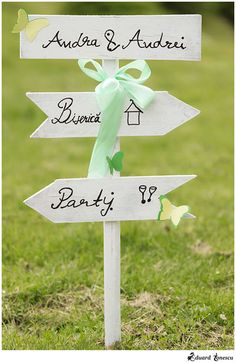 Wedding Planner, Place Cards, Place Card Holders, How To Plan, Projects, Wedding Planer, Log Projects, Wedding Planners