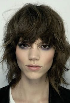 20 Shag Hairstyles For Ladies – Common Shaggy Haircuts Shaggy Haircuts, Shag Hairstyles, Spring Hairstyles, Down Hairstyles, Shaggy Bob, Hairstyles 2016, Full Fringe Hairstyles, Bob Hairstyle, Wavy Hair
