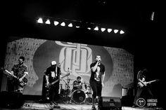 O evento reúne bandas independentes em shows Catraca Livre durante os dias de folia no bar Porto Pirata, no Baixo Garage, na Praça da Bandeira.