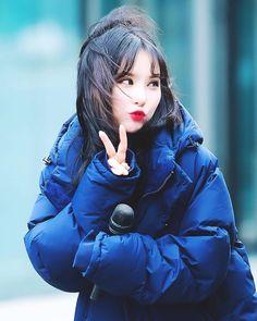 Image may contain: 1 person Jung Eun Bi, Pop Hits, Win My Heart, Entertainment, G Friend, China, Pin Up Art, Sexy Asian Girls, Korean Singer
