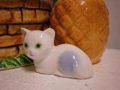 Sweet Kitty.. Vintage Ornaments, Miniatures, Kitty, Sweet, Food, Little Kitty, Candy, Kitty Cats, Essen