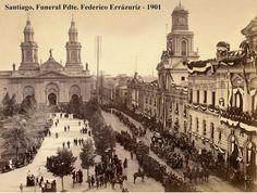 Plaza de Armas de Santiago. Vista desde el oriente. Funerales del Presidente Federico Errázuriz. 1901