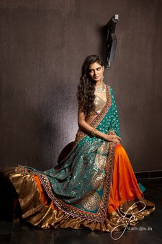 Super glam outfit by Shyamal and Bhumika. Pakistani Bridal, Indian Bridal, India Fashion, Asian Fashion, Indian Dresses, Indian Outfits, Desi Clothes, Indian Clothes, Pakistani Clothing