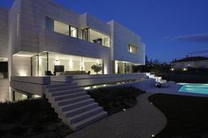 This incredible modern mansion is definition of perfection. Take a look! Luxury modern homes, Modern mansion interior, Mansion, Luxury homes and Luxury homes dream houses.