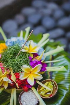 Offerings in Bali, called Canang. Bali, Indonesia, Wanderlust, Bucket List, Island, Paradise, Bali, Travel, Exotic Places, temple, places to visit in Bali, Balinese food must try.