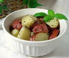 Easy Microwave Potatoes from Food.com:   Quick and easy potatoes that can be made in the microwave.