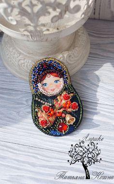Beaded Brooch | Брошь «Матрешка Рябинушка» — Купить, заказать, брошь, брошка, украшение, мода, стиль, бисер, кристаллы, ручная работа