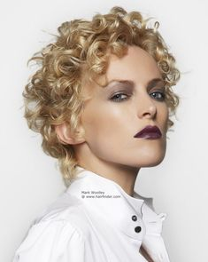 https://i.pinimg.com/736x/e0/39/d5/e039d59779dbb2dd4878cd9f4e971b18--pixie-hairstyles--famous-hairstyles.jpg