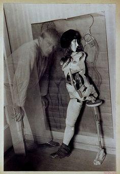Hans Bellmer - Autoportrait avec la poupée