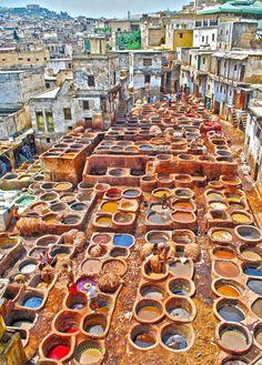 Tanning Pits in Fes, Morocco.היינו שם... במציאות זה אחד המקומות המהממים ביותר שראיתי בחיים... לא רציתי לעזוב... פשוט מהפנט