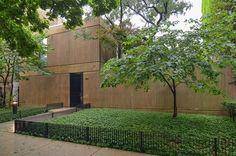 2215 N. Cleveland Avenue. Former home of Bruce Graham, SOM.
