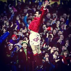 Manchester United I first saw United when Eric Cantona was in the team says I l Eric Cantona, Manchester United Legends, Manchester United Football, Bryan Robson, Nba, Bobby Charlton, Sir Alex Ferguson, Premier League Champions, Retro Football