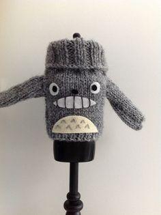 Totoro sweater for blythe por Miraquebroches en Etsy, €10,00