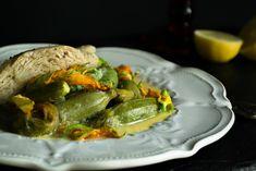 Επιτέλους Άνοιξη και επιτέλους στους πάγκους της λαϊκής τα λιλιπούτεια κολοκυθάκια με τους ανθούς, σήμερα μαγειρεύτηκαν με κοτόπουλο και αυγολέμονο!