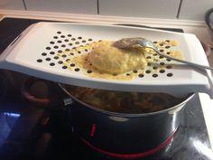 A zöldborsóleves titka - Lepcsánkparty Kitchen Aid Mixer, Kitchen Appliances, Food, Diy Kitchen Appliances, Home Appliances, Essen, Meals, Kitchen Gadgets, Yemek