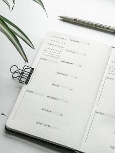 Ultra minimalist bullet journal spread biweekly/weekly spread with clean lines, black and white calendar, simple ink, and geometric shapes. Monthly Bullet Journal Layout, Bullet Journal Writing, Bullet Journal 2020, Bullet Journal Aesthetic, Bullet Journal Ideas Pages, Bullet Journal Spread, Bullet Journal Inspiration, Bullet Journal Lines, Calendar Journal