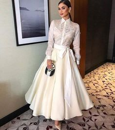 Pin by Honey Mae on Fashion: Barong Modern Filipiniana Gown, Filipiniana Wedding, Grad Dresses, Cute Dresses, Filipino Fashion, Classy Outfits, Couture Fashion, Mantel, Dress To Impress