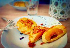 Heiße Knödel mit süßer Aprikose und Mandel - Zimt Kruste