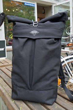 592f32134c265 Braasi Backpack LEVO    der neue Braasi Industry Rolltop Backpack - groß    schwarz!