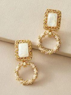 Jewelry Design Earrings, Ear Jewelry, Cute Jewelry, Jewelry Sets, Gold Jewelry, Jewelery, Jewelry Accessories, Pearl Drop Earrings, Stud Earrings