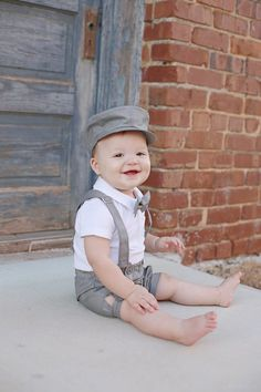 3124b4fe3 Baby boy outfit Grey newsboy hat and bowtie Ring bearer outfit Toddler  shorts with suspenders Baby b