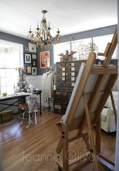 In Jeanne Oliver's stunning art studio makeover, she cleared away everything but the current, the essential and the beloved.