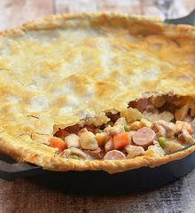 Chicken Pastel or Pastel de Pollo with creamy chicken stew and flaky pie crust. Hearty and tasty, this Filipino-style pot pie is sure to be a party hit. Easy Filipino Recipes, Filipino Food, Chicken Pastel, Great Recipes, Favorite Recipes, Delicious Recipes, Creamy Chicken Stew, Beef Recipe Instant Pot, Chicken And Vegetables