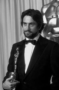 Robert De Niro won best actor for Raging Bull in 1980 his second Oscar win Al Pacino, Hollywood Stars, Old Hollywood, Best Actor Oscar, Taxi Driver, The Godfather, American Actors, Movie Stars, Beautiful Men