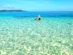 沖縄県、久米島。数ある沖縄の離島の中でも人気の高い島ですが、この久米島から、楽園のような無人島へ行けることをご存知でしたか?そのビーチは「ハテの浜」と呼ばれています。久米島から船で15分ほど。こんなところが日本に?と目を疑うような絶景が、あなたを待っています!東洋一と絶賛される幻の海を、あなたも見てみたくありませんか?