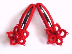 Set of Two Red Flower Tatted Hair Clips Red Tatting by Hermitinas #SPSTeam #CYBER15