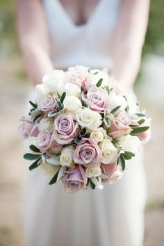 Rose wedding bouquet - My wedding ideas
