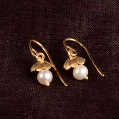 Ahalya Gold and Pearl Jhumka A1610 - Brands / Ahalya - Parisera