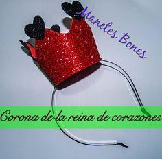 Corona de la Reina de Corazones en diadema con patrón | Videotutorial DIY | Aprender manualidades es facilisimo.com