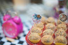 No País das Maravilhas | 3 anos da Alice {Decoração: Festa de Brincar | Fotos: Cynara Takahashi e Carina Iwahashi – Art Baby Foto e Debora Torrieli Fotografia}