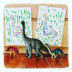 Réalisé s avec de la gouache et des cotons tiges par Logan et Méline, 3 ans et demi Gouache, Logan, Dinosaur Stuffed Animal, Animals, Stems, Dinosaurs, Children, Animales, Animaux