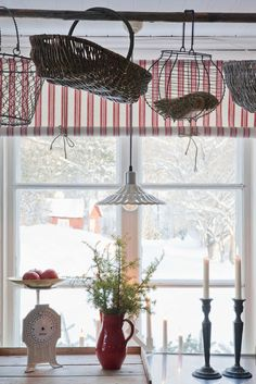 nordin farm: Nordin farm's Christmas in the Country Life (window treatment)