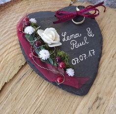 Ringkissen Ringhalter Schiefer Herz weinrot bordeaux mit Beschriftung Namen