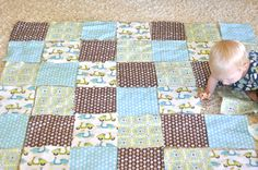 A couple years ago when some good friends of ours had their first baby, I made them a simple patchwork quilt . The mama is a fabulous photog. Quilt Baby, Baby Quilts Easy, Baby Boy Quilt Patterns, Cot Quilt, Quilting Patterns, Quilt Pillow, Quilting Frames, Patchwork Patterns, Baby Quilt Tutorials