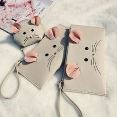 2016 New arrival ! Cute little mouse Cion Purse animal wallet mini purse PU leather envelope purse Childrens Purses, Kids Purse, Leather Photo Albums, T Bag, Diy Sewing Projects, Purses And Bags, Coin Purses, Leather Bags Handmade, Sewing Toys