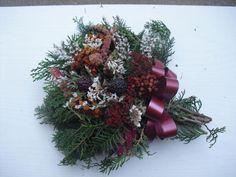 Dušičková kytička vázaná Christmas Wreaths, Holiday Decor, Home Decor, Nice Asses, Decoration Home, Room Decor, Home Interior Design, Home Decoration, Interior Design