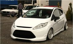 White ford fiesta mk7 on airride