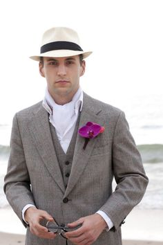 groom with ascot & fedora, yes please! (maybe not the ascot... maybe)