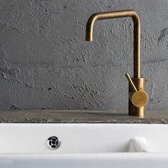 How to clean your kitchen credenza? Bathroom Taps, Kitchen Taps, Small Bathroom, Bathroom Grey, Bathroom Layout, Modern Bathroom Decor, Bathroom Interior Design, Bathroom Gallery, Bathroom Photos