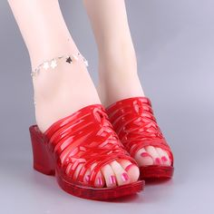 Transparent crystal plastic jelly slippers for female .hollow high-heeled  old-fashioned hard bottom plastic cool slippers deodorant easy to wash 9bd03a3efe4b