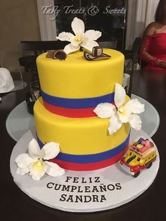 Colombian Colors Birthday Cake Except it the bus would say Cali