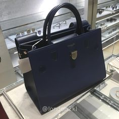 Medium Diorever in Navy RM13,750 ❤❤❤ it? Order now. Once it's gone, it's gone! Just WhatsApp me +44 7535 715 239, Erwan. Click my account name for other great items. #l2klDior #l2klDior #l2klDior